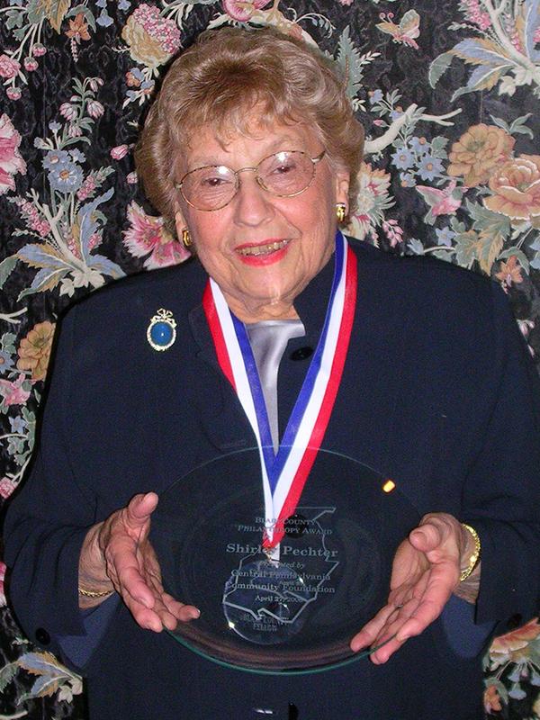 2006 Shirley Pechter